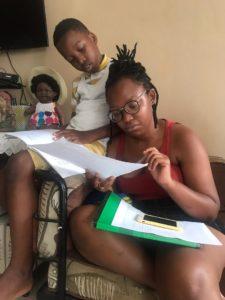 Michelle Tanon-Lora escritora de Costa de Marfil